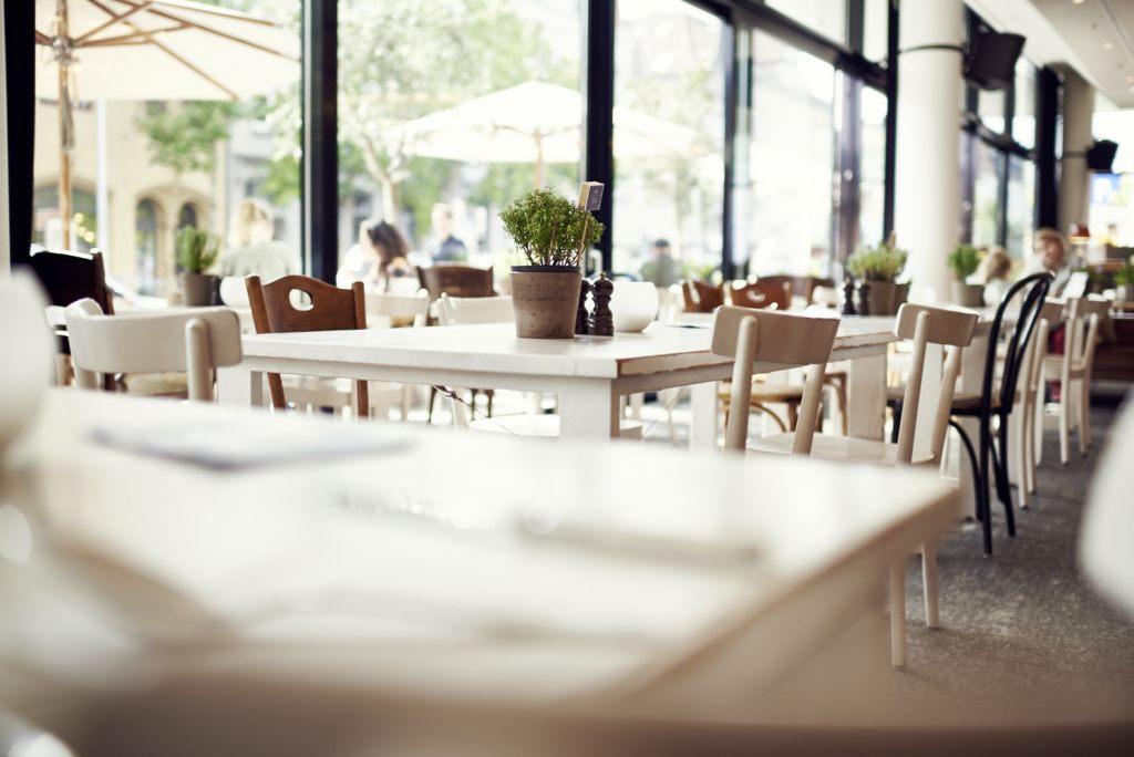 Die Tische sind gedeckt für Sie im il Boccone Konstanz