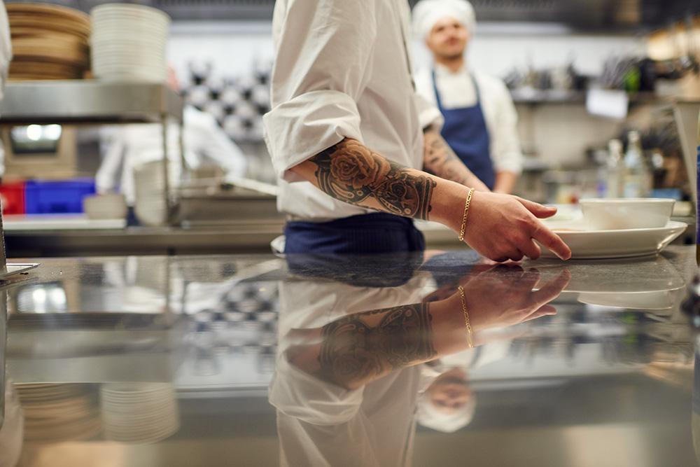 Leidenschaft beim Kochen im il Boccone Konstanz